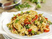 Reis mit Hähnchen und Gemüse