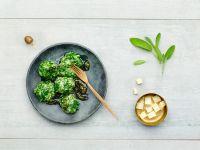 Reis-Spinatklöße mit Salbei Rezept