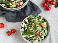 Reis-Taboulé mit Minze, Gurken, Tomaten und Feta Rezept