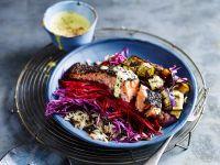 Reissalat mit knusprigem Lachs und Kurkuma-Dressing Rezept