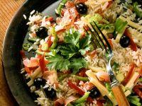 Reissalat mit Schinken, Oliven und Paprika Rezept