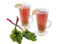 Herb-fruchtig: Rhabarberschorle selber machen