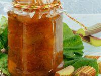 Rharbarberkompott mit Campari und Pfeffer Rezept