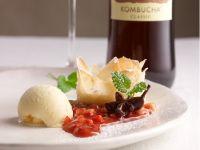 Ricotta im Knusperblatt mit Erdbeerragout Rezept