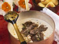 Rindereintopf auf russische Art (Boeuf Stroganoff) Rezept