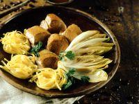 Rinderfilet mit geschmortem Chicorée und Soße Rezept