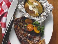 Rindersteak vom Grill und Folienkartoffel Rezept