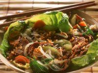 Rindfleisch mit Erdnüssen und Reisnudeln auf Vietnamesische Art Rezept