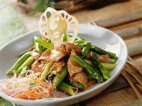 Rindfleisch mit Spargel aus dem Wok Rezept