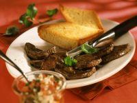 Rindfleisch mit Tomatensalat Rezept