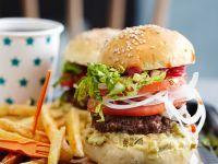 Rindfleischburger mit Pommes frites Rezept