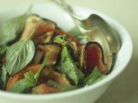 Rindfleischsalat mit thailändischem Basilikum Rezept