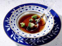 Rindsbouillon mit Brokkoli Rezept