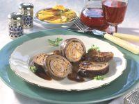 Rindsroulade mit Steinpilz-Möhren-Füllung und Kartoffel-Apfel-Gratin Rezept