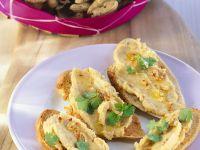 Röstbrote mit Erdnussaufstrich Rezept