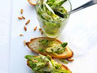 Röstbrote mit Spargel-Bärlauch-Salat Rezept