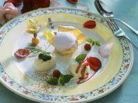 Roseneis mit Buttermilchmousse Rezept