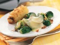 Rosenkohl-Raclette mit Ofenkartoffeln Rezept