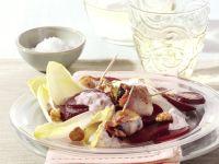 Rote-Bete-Salat mit Chicorée und Speckpflaume Rezept