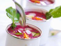 Rote-Bete-Suppe mit Ei auf polnische Art Rezept