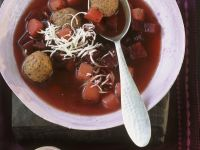 Rote Suppe mit Hackklößchen Rezept