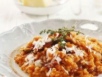 Roter Risotto mit Parmesan und Thymian