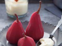 Rotweinbirnen mit Vanillesaue Rezept