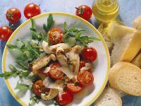 Rucolasalat mit Hähnchenfilet, Cherrytomaten und Parmesan Rezept