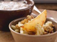 Rüben-Spalten mit Walnuss-Birnen-Salat und Dip Rezept