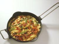 Rührei mit Paprika und Wurst Rezept