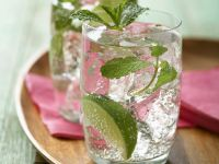 Rum-Cocktail mit Minze (Mojito) Rezept