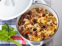 Rundfleischeintopf mit Gemüse und Nudeln Rezept
