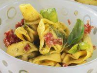 Salami-Tortellini-Salat