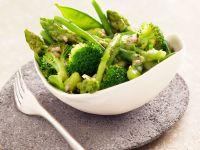 Salat aus grünem Gemüse Rezept