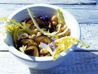 Salat mit gegrillten Auberginenscheiben Rezept