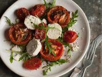 Salat mit Ofentomaten, Ziegenkäse und Rucola Rezept