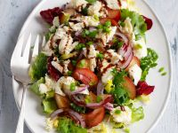 Salat mit Pflaumen und Büffelmozzarella Rezept