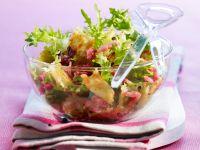 Salat mit Ravioli und Bacon Rezept