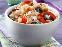 Salat mit Reis, Garnelen und Oliven Rezept