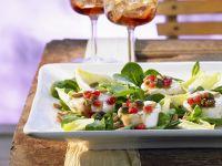 Salat mit Ziegenkäse und Granatapfel-Dressing Rezept