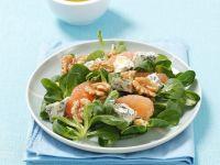 Salt mit Blauschimmelkäse, Nüssen und Grapefruit Rezept