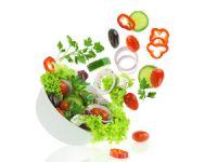 Die 8 heißesten Tipps für schlanke Sommersalate