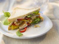 Sandwich mit Hähnchen und Obst Rezept