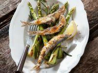 Sardinen vom Grill mit Spargel Rezept