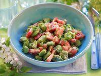 Saubohnensalat mit Tomaten und Schnittlauch Rezept