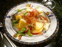 Sauerkrautsalat mit Gemüse und Apfel Rezept