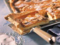 Saurer Blätterteig-Rahmkuchen Rezept