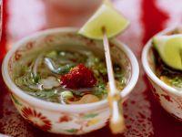 Scharfe Reisnudelsuppe mit Gemüse Rezept