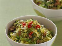 Scharfer Kohlsalat mit Hackfleisch Rezept