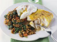 Schellfisch mit verlorenem Ei und Spinat-Linsen Rezept